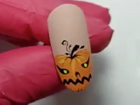 Halloween Nail-Art Pumpkin
