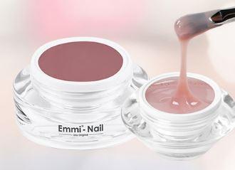 Natürliche Nägel mit Make-Up Gel