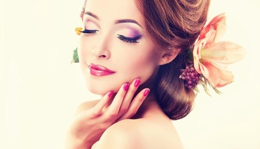 Nails optimal pflegen und individuell gestalten mit emmi®-nail