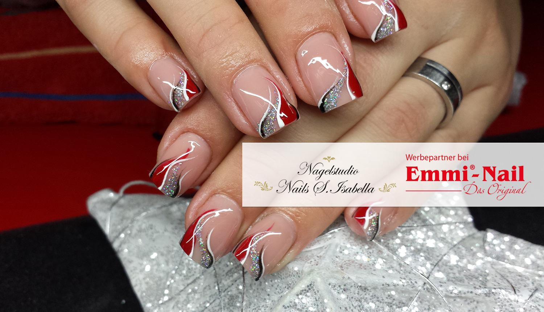 Weihnachtlich-elegante Nägel von Isabella Söll