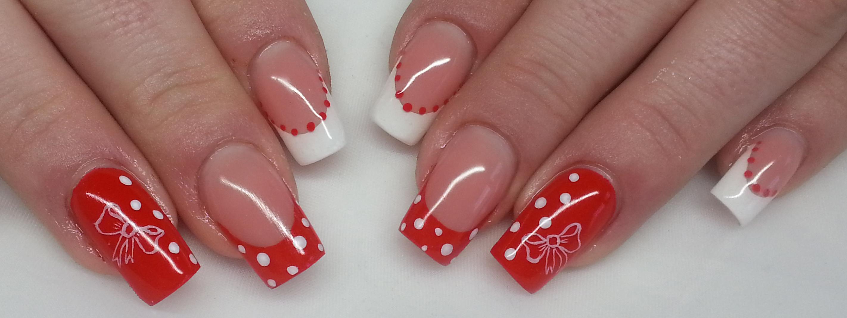 Rockabilly Red Loop – Die weiße Schleife auf den roten Nägeln – eine Anleitung von Janette Homburg
